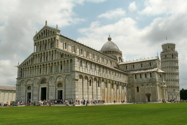 Piazza Miracoli in Pisa