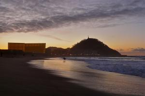 Playa Zurriola in San Sebastián